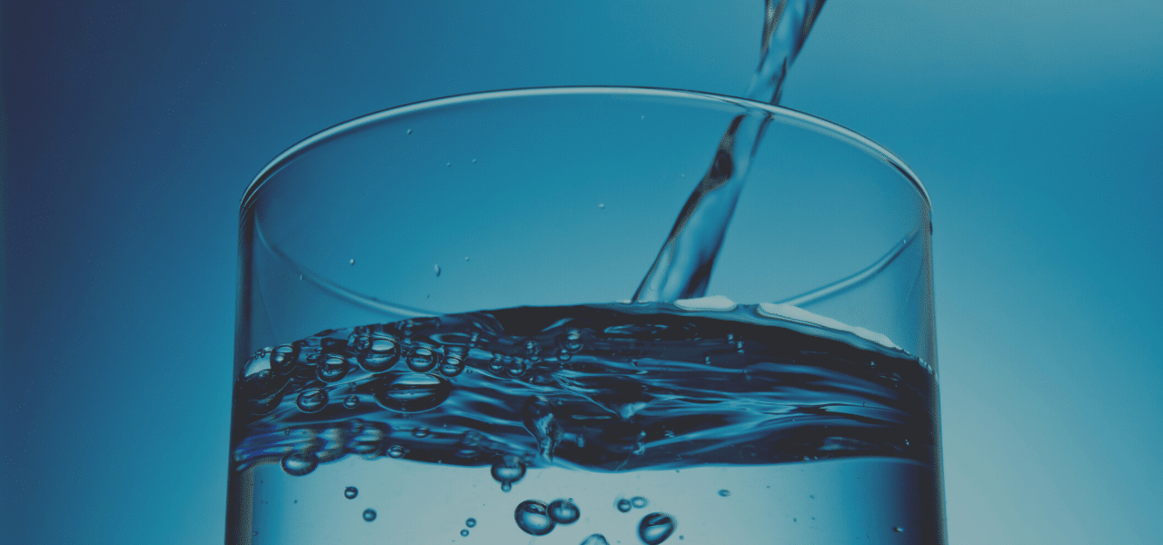 Does drinking Water Hydrate Your Skin? + 5 Best Hydrators